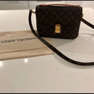 Louis Vuitton Metis Pochette- gently used
